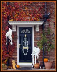 Halloween Skeleton Decoration Ideas 15 Halloween Porch Decorating Ideas That Are Spooky U0026 Cute U2014 But