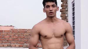 ngintip cowok ganteng telanjang youtube