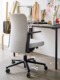 Desk Office Chair What Apple S New Office Chairs Reveal About Work In 2018