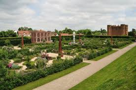 Home Of Queen Elizabeth Kenilworth Castle Best Known As The Home Of Queen Elizabeth I U0027s