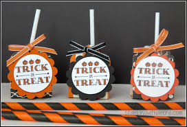 stampingwithamore halloween curvy corner lollipop treat holder