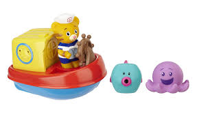 amazon com daniel tiger u0027s neighborhood daniel u0027s bath tub