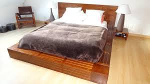 chambre en bois chambre a coucher bois et chiffons meubles décoration chambres à