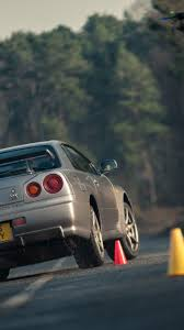 nissan skyline r34 wallpaper nissan r34 skyline gt r vs r35 gt r downloadable image gallery part 2