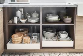 tiroirs de cuisine amnagement de tiroir de cuisine plaque perfore revtement vinyle