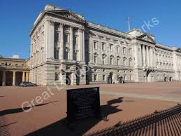 How Many Bathrooms In Buckingham Palace by Buckingham Palace Great London Landmarks
