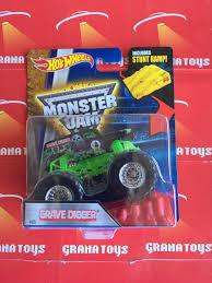 monster truck grave digger toys grave digger 05 2016 wheels monster jam case a ebay