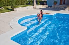 pool treppe treppenlösungen echter mehrwert schwimmbad de