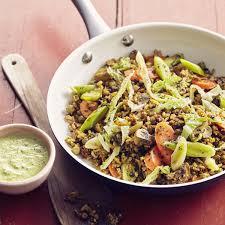 comment cuisiner chou vert poêlée de lentilles sésame chignons carottes et chou vert