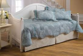 White Daybed With Pop Up Trundle Daybeds With A Pop Up Trundle