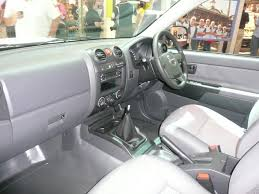 isuzu dmax interior file 2008 isuzu d max sx 4 door cab chassis 02 jpg wikimedia commons