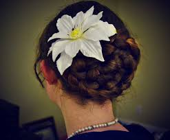 7 classy women u0027s hairstyles for oktoberfest oktoberfesthaus com