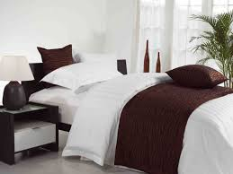 Make Your Bed Like A Hotel How To Make Your Bed Look Like One Found In A 5 Star Hotel