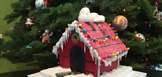 snoopy doghouse christmas decoration make your own snoopy gingerbread doghouse car baking co