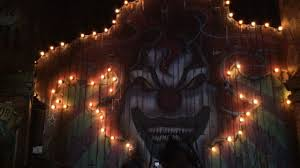 halloween horror nights videos theme park scares halloween horror nights vs howl o scream