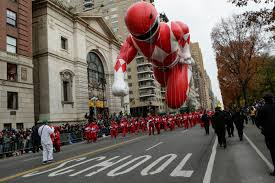 macy s parade macy s thanksgiving day parade guide closures where to