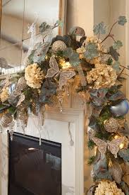 Christmas Garland Decorating Ideas by 40 Beautiful Gold Christmas Decoration Ideas