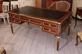 bureau style louis xvi le marché biron bureau plat de style louis xvi de la maison krieger