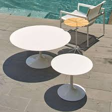 Round 54 Inch Dining Table Saarinen 54 Inch Round Outdoor Dining Table By Knoll Yliving
