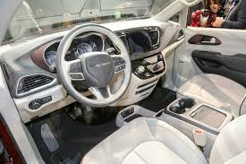 chrysler car interior 6 things you didn u0027t know about the 2017 chrysler pacifica