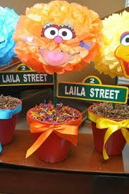 Elmo Centerpieces Ideas by 79 Best Elmo And Zoey Birthday Ideas Images On Pinterest