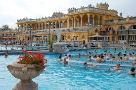 bagno termale e piscina széchenyi bagni széchenyi le terme più grandi d europa