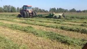 john deere 930 moco mowing away youtube
