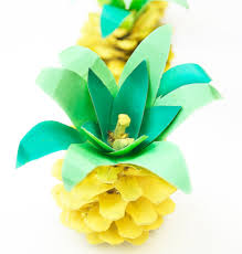 Paper Pineapple Decorations Party Craft Ideas 24 Homemade Party Favors And Decorations