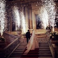 feux d artifice mariage blanc fumer jour stade fontaine feux d artifice froids de mariage