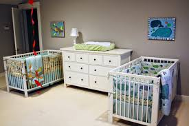 chambre pour jumeaux decoration chambre de bebe jumeaux visuel 3
