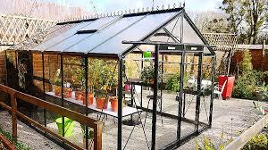 veranda cuisine peinture spéciale meuble de cuisine inspirational cabane de jardin