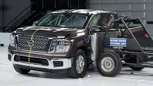 2017 nissan titan crew cab 2017 nissan titan crew cab side iihs crash test youtube