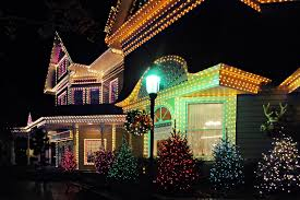 Hang Christmas Lights by Safety Tips On Taking Down Your Christmas Lights Illuminating Design