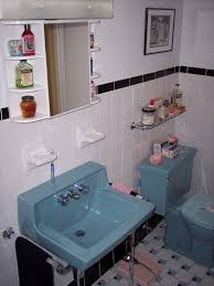 Bathroom Renovation Ideas Colors Best 25 Retro Bathrooms Ideas On Pinterest Retro Bathroom Decor