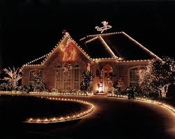 Outdoor Christmas Lights Decorations Best 25 Christmas Lights Installation Ideas On Pinterest Light
