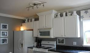 White And Gray Kitchen Cabinets by Latest Grey Kitchen Walls With Brown Cabinets 9313 Homedessign Com