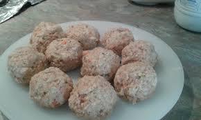 cuisiner les restes de poulet roti boulettes au reste de poulet rôti les recettes de lulu