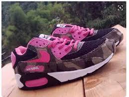 Sepatu Nike Running Wanita 27 model sepatu nike terbaru yang keren untuk pria dan wanita