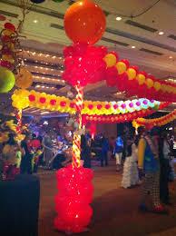circus balloon 93 best circus balloon decor images on balloon columns