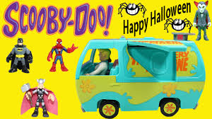 scooby doo halloween adventure with transforming mystery machine