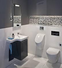 kleine badezimmer fliesen kleines badezimmer große lösung megabad