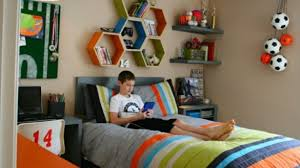 sports bedroom decor boys sports room decor amazing intended for 17 lofihistyle com