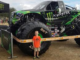 monster trucks youtube grave digger truck videos show me a atamu show grave digger monster truck