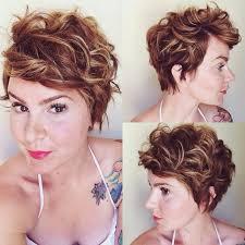 Frisuren Mittellange Haare Naturlocken by Die Besten 25 Frisur Jungs Locken Ideen Auf