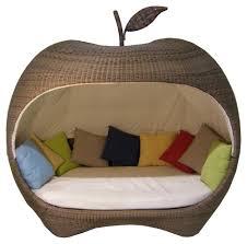 siege pomme de canapé de jardin en forme de pomme en résine tressée 1 les fruits