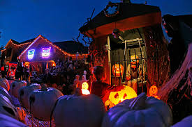 halloween light decoration ideas only then halloween home decor home ideas 876x493 87kb