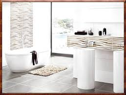 fliesen gestaltung badezimmer bad visuelle hilfe auf badezimmer plus ideen kleines badfliesen