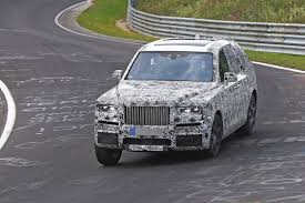 rolls royce outside rolls royce cullinan shows heavy body roll in nurburgring elephant