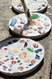 Decorating With Seashells In A Bathroom Best 25 Seashell Crafts Kids Ideas On Pinterest Seashell Crafts