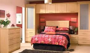 chambre a coucher avec pont de lit chambre a coucher avec pont de lit dressing chambre meuble